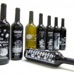 Vánoční bíle tištěné etikety na víno